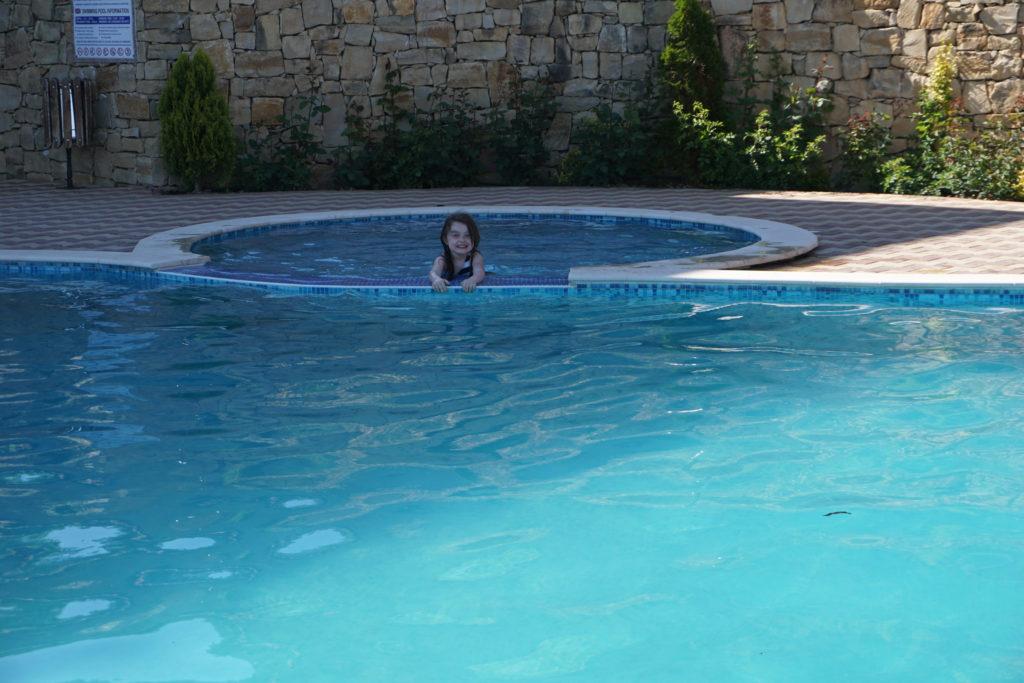 басейна на хотел панорама - елена